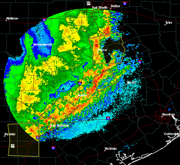 Radar Image for Severe Thunderstorms near Woodway, TX at 4/18/2019 12:31 AM CDT