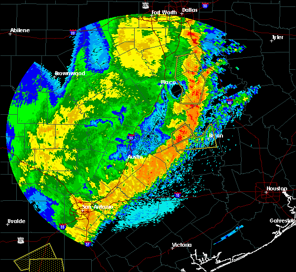 Radar Image for Severe Thunderstorms near Milano, TX at 4/18/2019 1:08 AM CDT