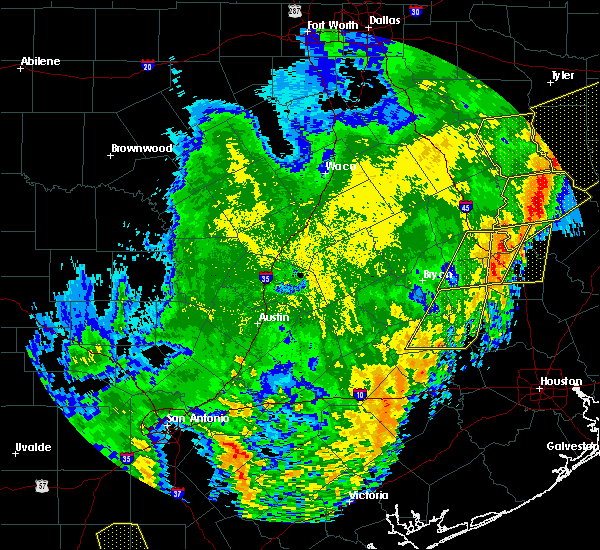 Radar Image for Severe Thunderstorms near Westwood Shores, TX at 4/18/2019 2:59 AM CDT