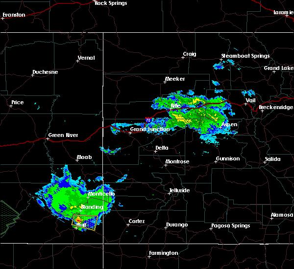 Radar Image for Severe Thunderstorms near White Mesa, UT at 6/11/2015 1:00 AM MDT