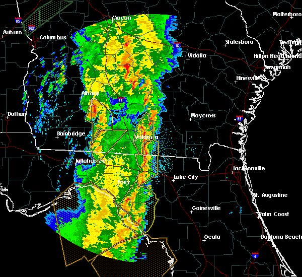 Radar Image for Severe Thunderstorms near Moultrie, GA at 4/19/2019 9:58 AM EDT