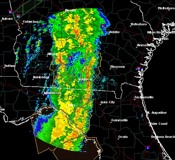 Radar Image for Severe Thunderstorms near Moultrie, GA at 4/19/2019 10:11 AM EDT