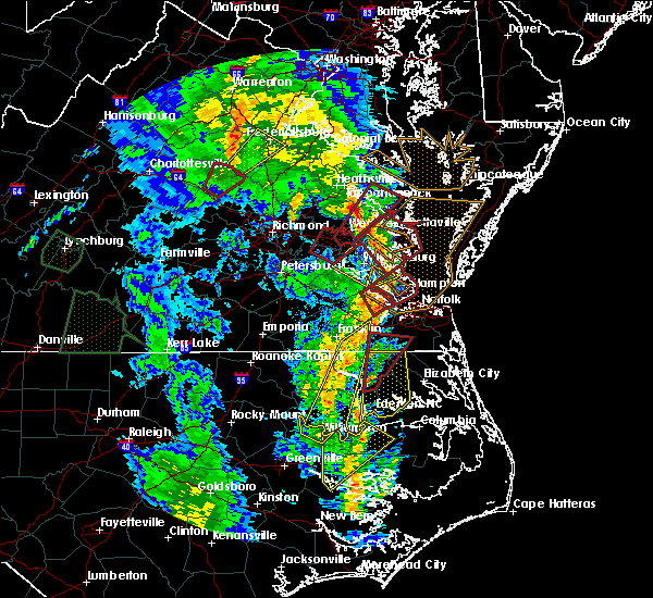 Radar Image for Severe Thunderstorms near West Point, VA at 4/19/2019 8:19 PM EDT