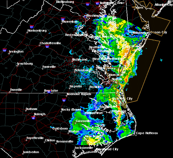 Radar Image for Severe Thunderstorms near Virginia Beach, VA at 4/19/2019 10:25 PM EDT