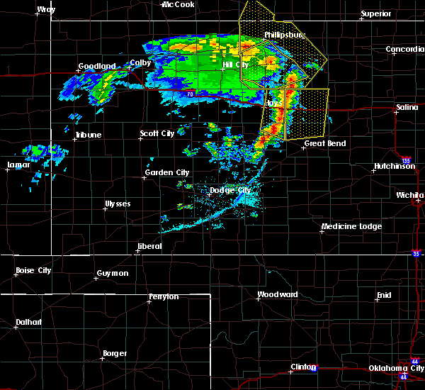 Radar Image for Severe Thunderstorms near Victoria, KS at 4/21/2019 8:00 PM CDT