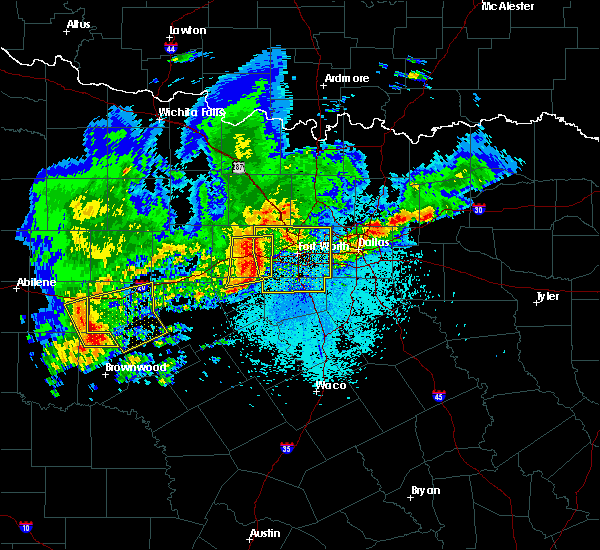 Radar Image for Severe Thunderstorms near Fort Worth, TX at 4/23/2019 9:09 PM CDT