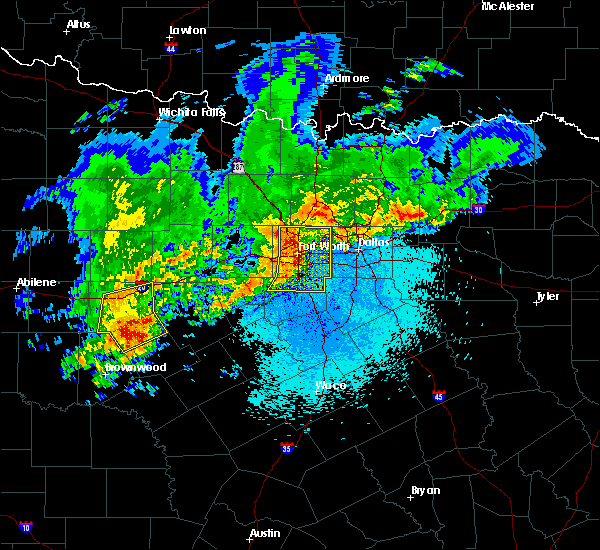 Radar Image for Severe Thunderstorms near Kennedale, TX at 4/23/2019 9:47 PM CDT