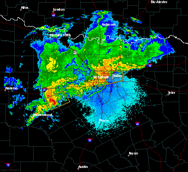 Radar Image for Severe Thunderstorms near Fort Worth, TX at 4/23/2019 10:20 PM CDT