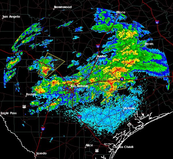 Radar Image for Severe Thunderstorms near Fredericksburg, TX at 4/24/2019 11:04 AM CDT