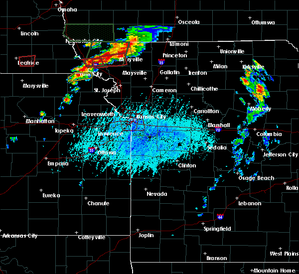 Radar Image for Severe Thunderstorms near Conception Junction, MO at 6/11/2015 5:15 PM CDT
