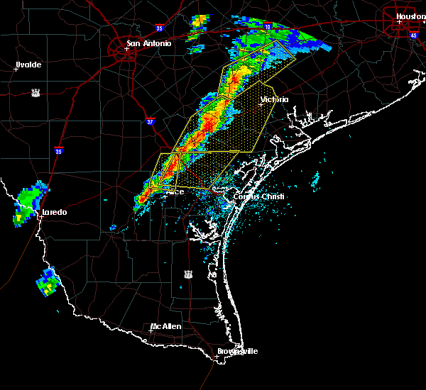 Radar Image for Severe Thunderstorms near Corpus Christi, TX at 4/24/2019 6:38 PM CDT