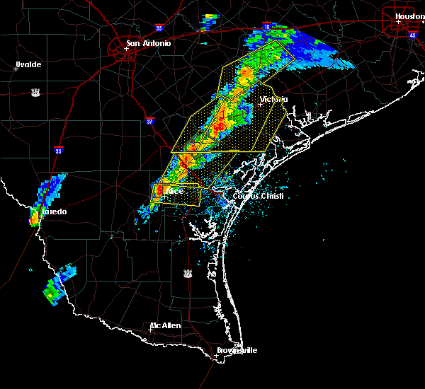 Radar Image for Severe Thunderstorms near Corpus Christi, TX at 4/24/2019 6:55 PM CDT