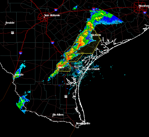 Radar Image for Severe Thunderstorms near Corpus Christi, TX at 4/24/2019 7:07 PM CDT