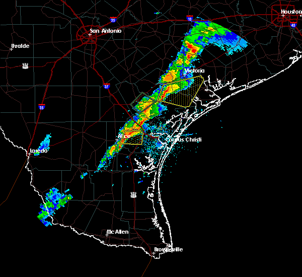 Radar Image for Severe Thunderstorms near Corpus Christi, TX at 4/24/2019 7:19 PM CDT