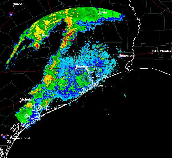 Radar Image for Severe Thunderstorms near Huntsville, TX at 4/24/2019 8:28 PM CDT