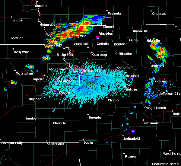 Radar Image for Severe Thunderstorms near Arkoe, MO at 6/11/2015 5:33 PM CDT