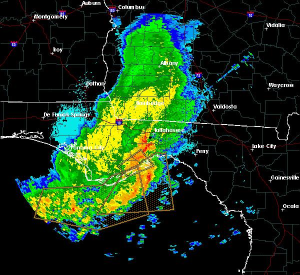 Radar Image for Severe Thunderstorms near Carrabelle, FL at 4/25/2019 11:36 PM EDT
