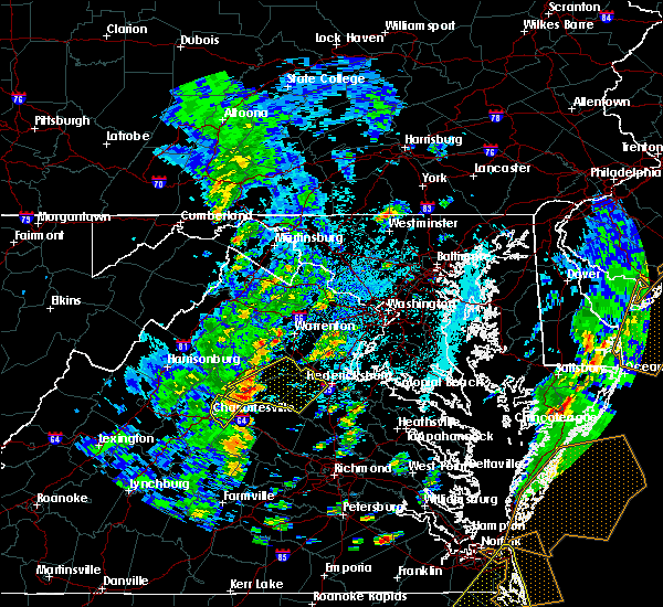 Radar Image for Severe Thunderstorms near Fredericksburg, VA at 4/26/2019 1:53 PM EDT