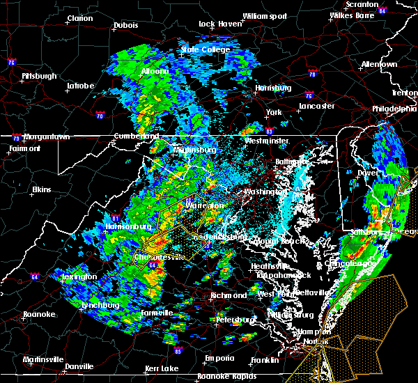 Radar Image for Severe Thunderstorms near Fredericksburg, VA at 4/26/2019 1:56 PM EDT