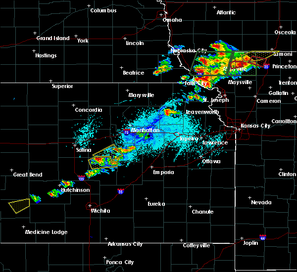 Radar Image for Severe Thunderstorms near Hope, KS at 6/11/2015 6:03 PM CDT