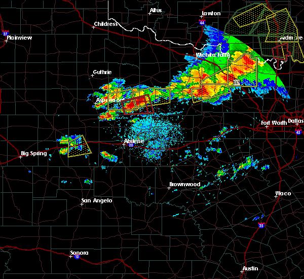 Radar Image for Severe Thunderstorms near Throckmorton, TX at 5/1/2019 5:41 PM CDT