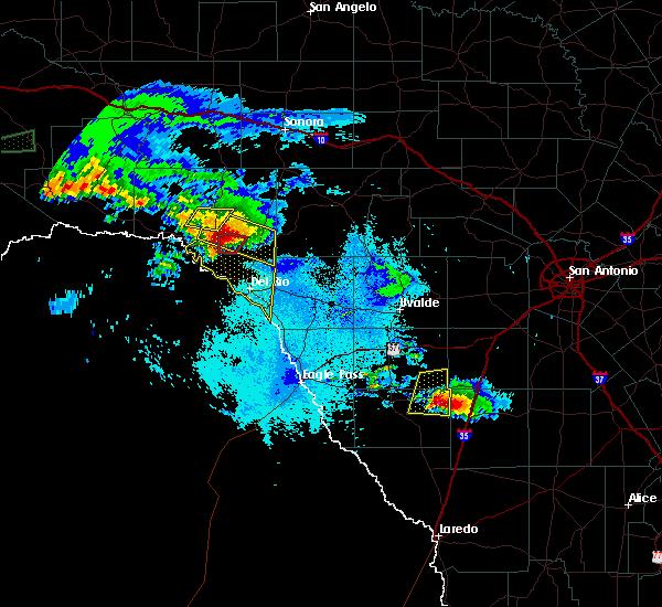 Radar Image for Severe Thunderstorms near Del Rio, TX at 5/2/2019 9:37 PM CDT