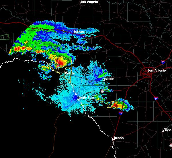 Radar Image for Severe Thunderstorms near Del Rio, TX at 5/2/2019 9:54 PM CDT
