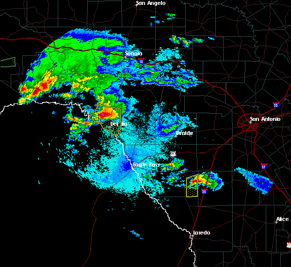 Radar Image for Severe Thunderstorms near Del Rio, TX at 5/2/2019 10:23 PM CDT