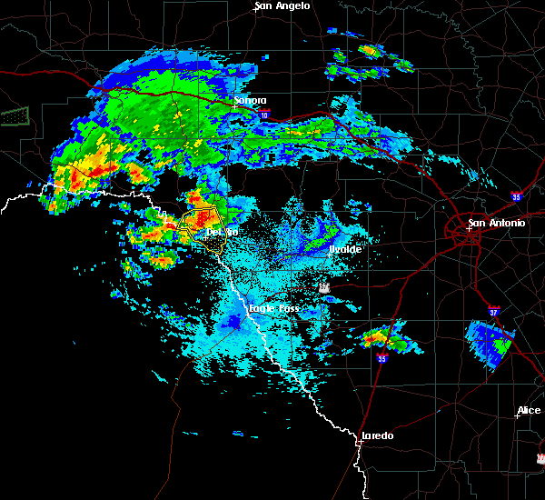 Radar Image for Severe Thunderstorms near Del Rio, TX at 5/2/2019 10:47 PM CDT