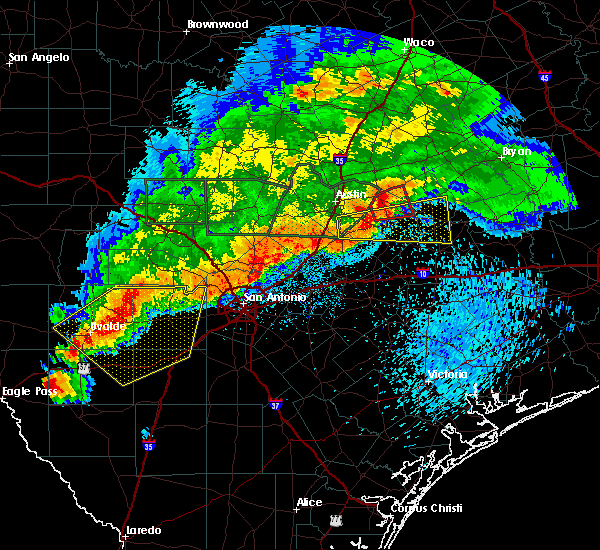 Radar Image for Severe Thunderstorms near Lakehills, TX at 5/3/2019 8:13 PM CDT
