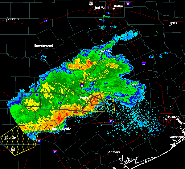 Radar Image for Severe Thunderstorms near Giddings, TX at 5/3/2019 8:19 PM CDT