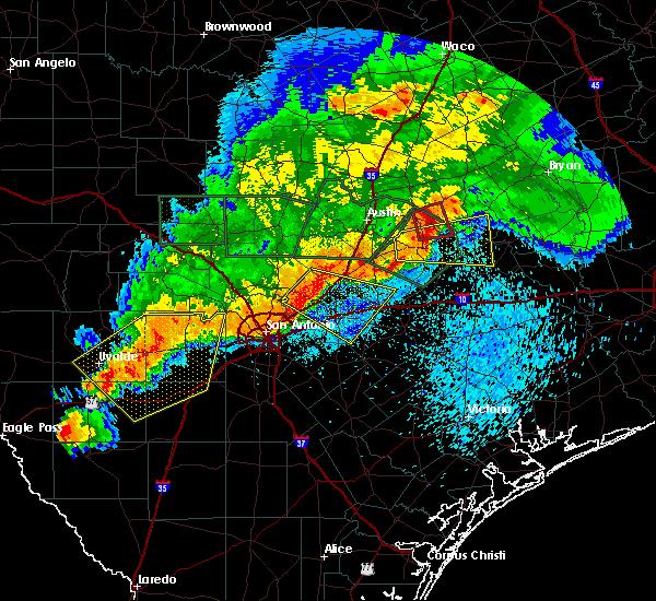 Radar Image for Severe Thunderstorms near Lockhart, TX at 5/3/2019 8:27 PM CDT