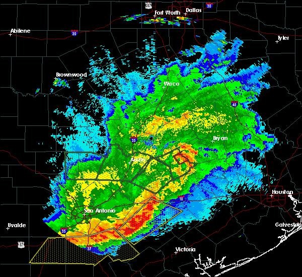 Radar Image for Severe Thunderstorms near Lexington, TX at 5/3/2019 9:44 PM CDT