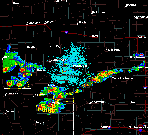 Radar Image for Severe Thunderstorms near Coldwater, KS at 6/11/2015 8:18 PM CDT