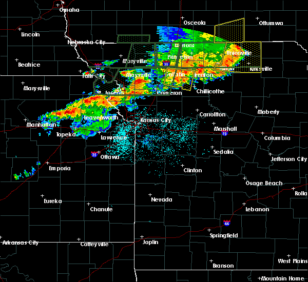 Radar Image for Severe Thunderstorms near Winigan, MO at 6/11/2015 8:25 PM CDT