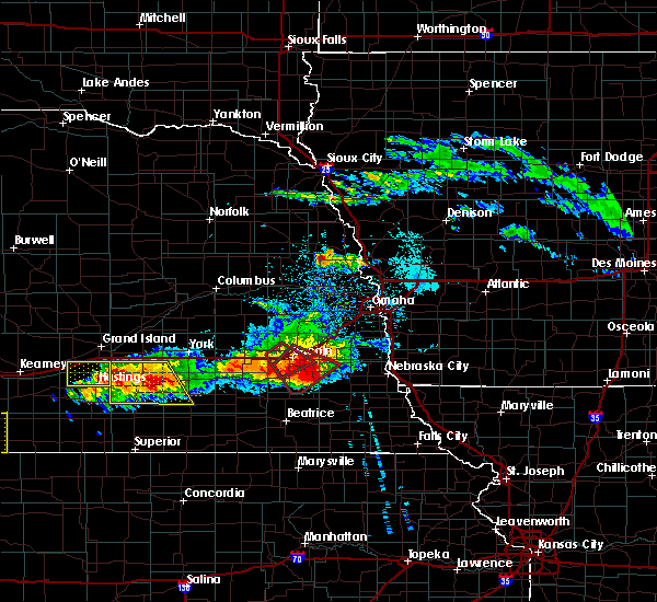 Radar Image for Severe Thunderstorms near Douglas, NE at 5/5/2019 6:14 PM CDT