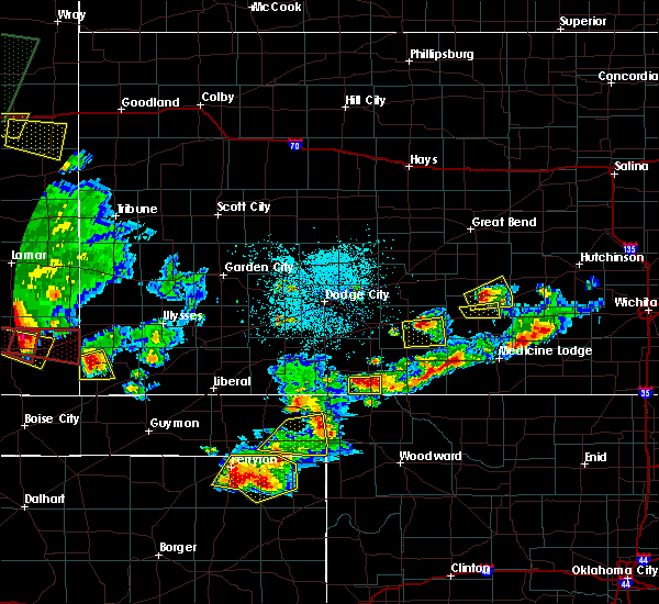 Radar Image for Severe Thunderstorms near Protection, KS at 6/11/2015 9:19 PM CDT