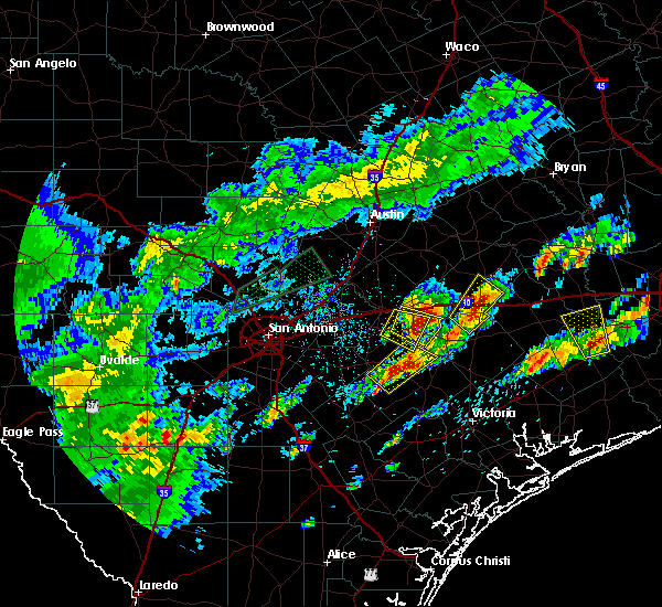 Radar Image for Severe Thunderstorms near Gonzales, TX at 5/9/2019 6:31 PM CDT