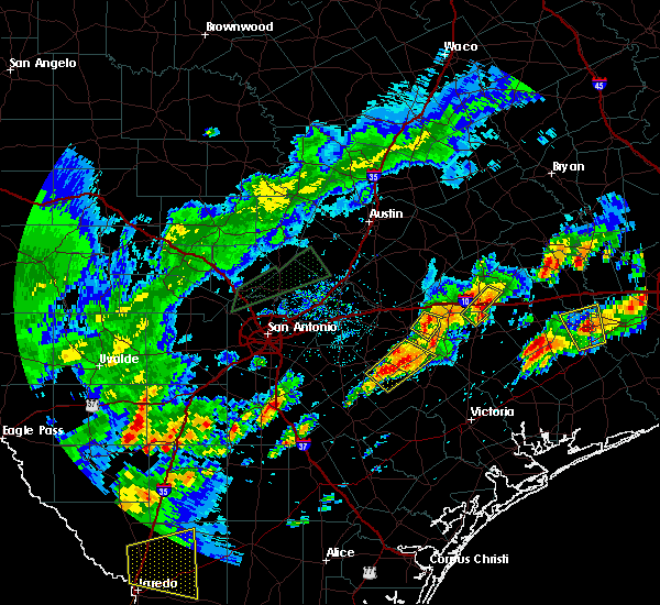 Radar Image for Severe Thunderstorms near Gonzales, TX at 5/9/2019 7:02 PM CDT
