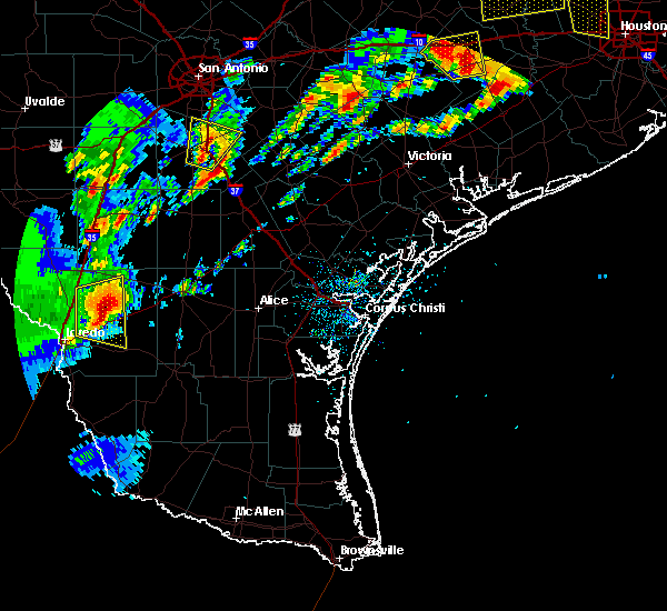 Radar Image for Severe Thunderstorms near Ranchitos Las Lomas, TX at 5/9/2019 7:33 PM CDT