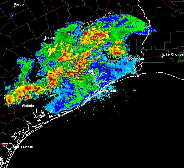 Radar Image for Severe Thunderstorms near El Campo, TX at 5/9/2019 8:53 PM CDT