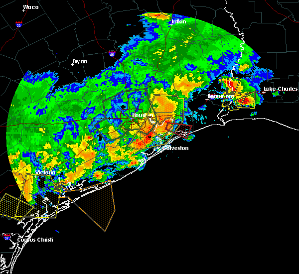 Radar Image for Severe Thunderstorms near Bolivar Peninsula, TX at 5/9/2019 11:06 PM CDT