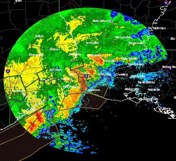 Radar Image for Severe Thunderstorms near Lake Charles, LA at 5/10/2019 2:04 AM CDT