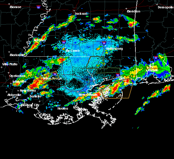 Radar Image for Severe Thunderstorms near Baton Rouge, LA at 5/12/2019 2:47 AM CDT