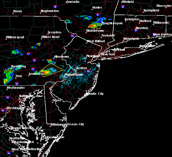 Radar Image for Severe Thunderstorms near Bally, PA at 6/12/2015 5:03 PM EDT