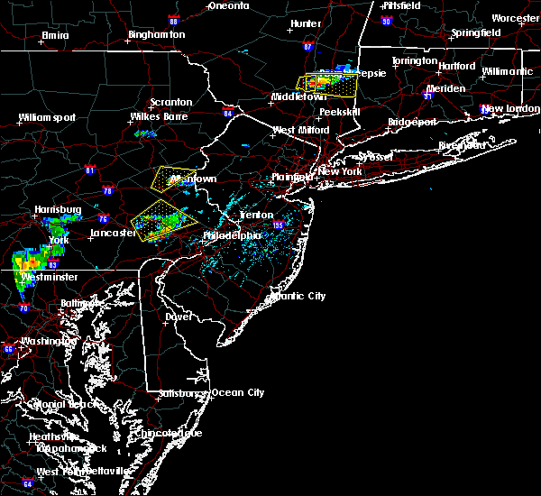 Radar Image for Severe Thunderstorms near Fullerton, PA at 6/12/2015 5:30 PM EDT
