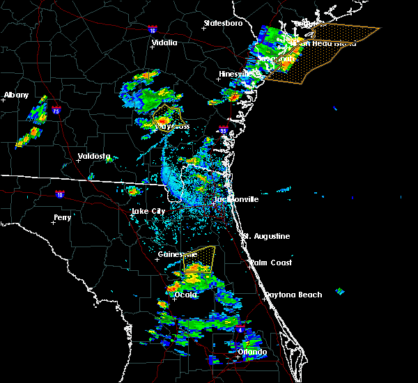 Radar Image for Severe Thunderstorms near Palatka, FL at 6/12/2015 5:36 PM EDT