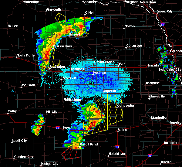 Radar Image for Severe Thunderstorms near Miltonvale, KS at 5/17/2019 11:00 PM CDT
