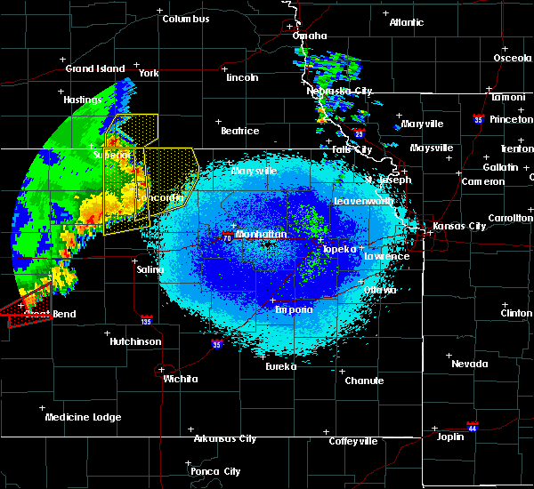 Radar Image for Severe Thunderstorms near Aurora, KS at 5/17/2019 11:40 PM CDT