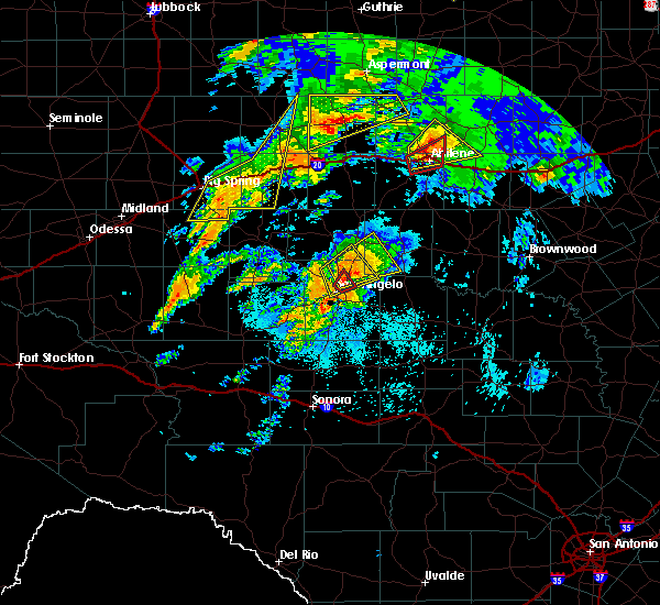 Radar Image for Severe Thunderstorms near Miles, TX at 5/18/2019 6:01 AM CDT
